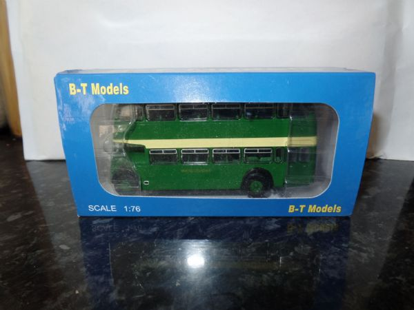 B T Models B116B 1/76 OO Scale Bristol Lodekka LD Bus Closed Back United Counties  141 Aylesbury